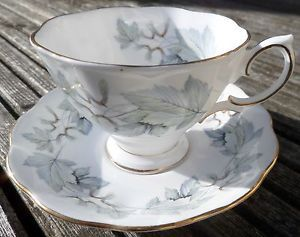 beautiful tea cups and saucers | Details about Beautiful Royal Albert Bone China Tea Cup and Saucer ...