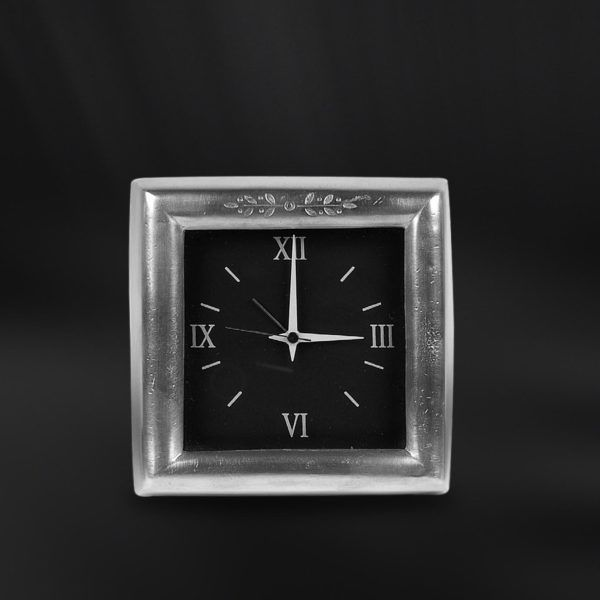 Pewter Alarm Clock - Width: 12 cm (4,7″) - Height: 12 cm (4,7″) - #pewter #alarm #clock #peltro #sveglia #orologio #zinn #wecker #uhr #étain #etain #réveil #peltre #tinn #олово #оловянный #gifts #giftware #home #housewares #homewares #decor #design #bottega #peltro #GT #italian #handmade #made #italy #artisans #craftsmanship #craftsman #primitive #vintage #antique
