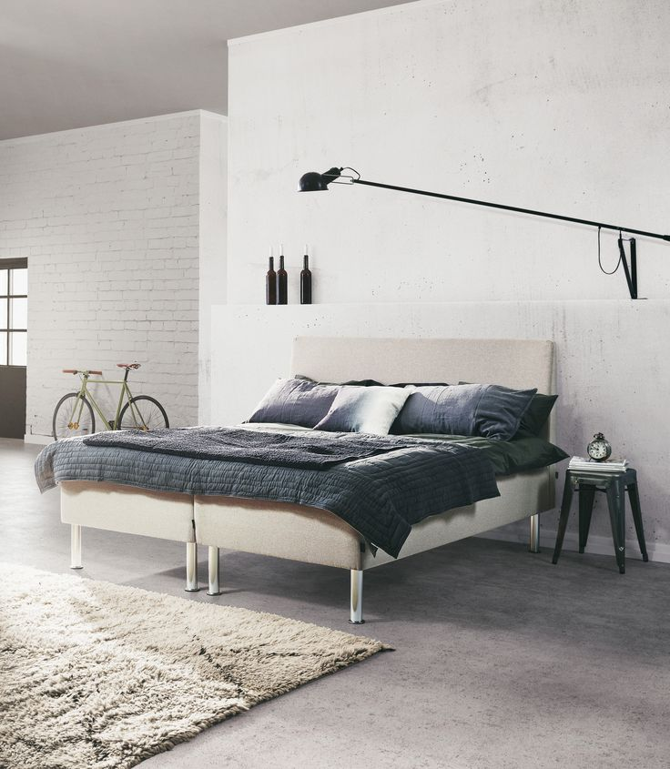 Jensen J2 nordic bed in Nature textiles.