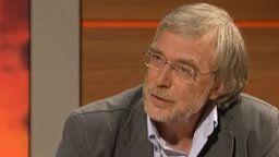 Neurobiólogo y la emoción investigador profesor Gerald Huether en el informe de Planet Wissen sobre su labor.     Por: wdr