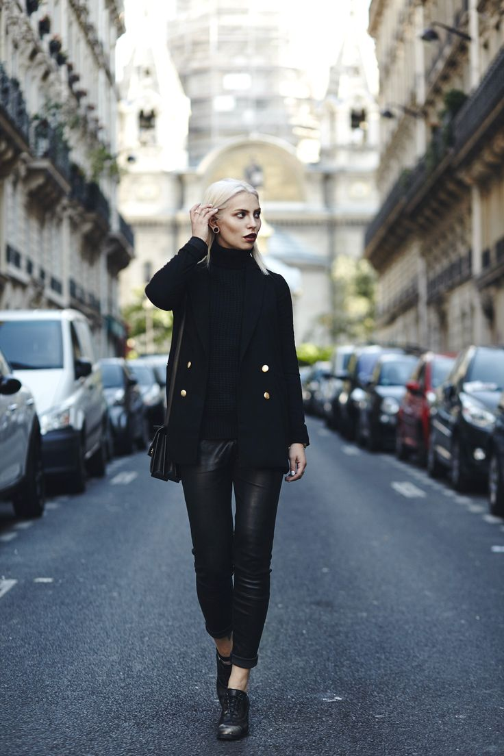 Outfit: Black Forest | via german fashion blogger Masha Sedgwick | wearing the new Timberland collection | all black everything