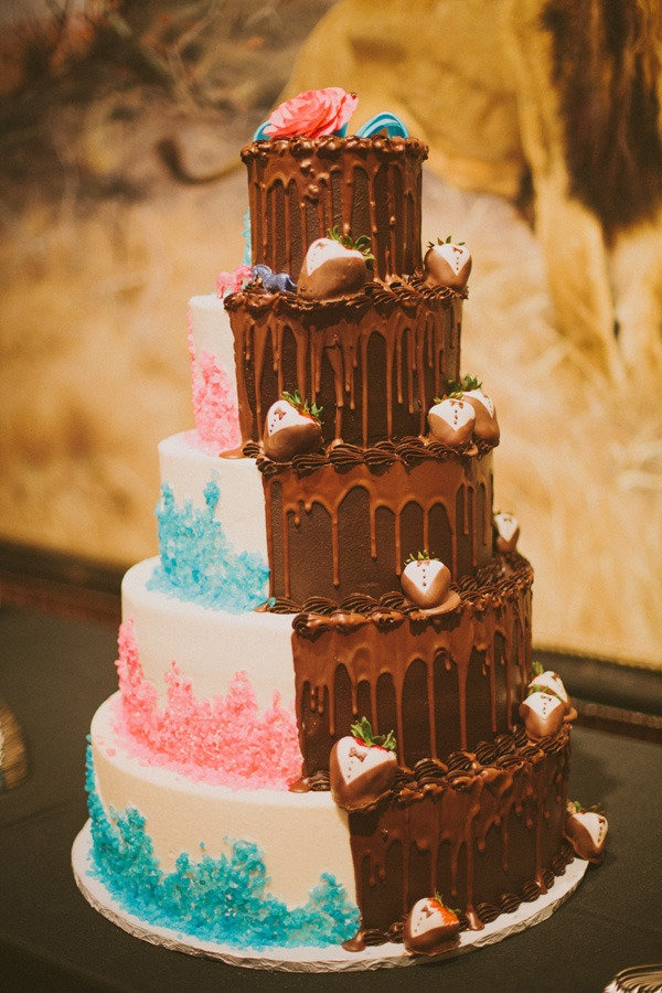 half and football wedding cake 110 best images about dual amp theme cakes on 15038