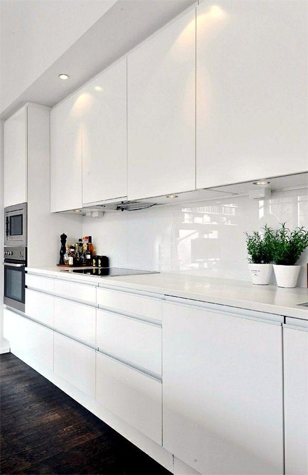 10 Fresh and Pretty Kitchen Cabinet Color Ideas Kitchens, Gloss - fliesenspiegel glas küche