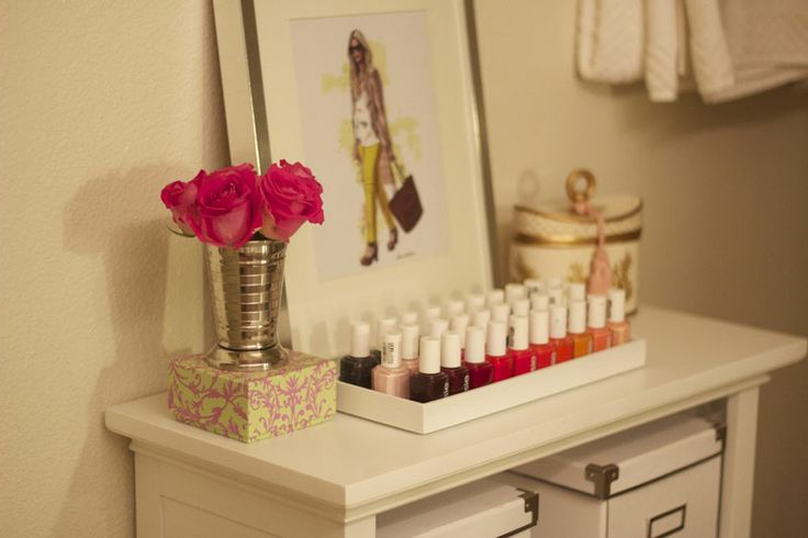 Totally jealous of this Essie nail polish collection... // Devon Rachel: At Home
