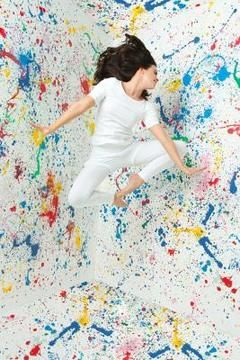 """Image Source/Digital Vision/Getty Images """"How To Splatter Paint A Lid's Room"""""""