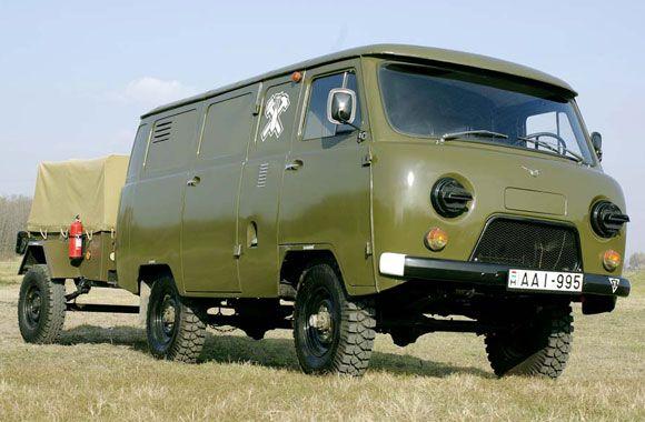 UAZ 452, oer degelijk van Russische afkomst. Zeer geschikt om te transformeren tot camper.