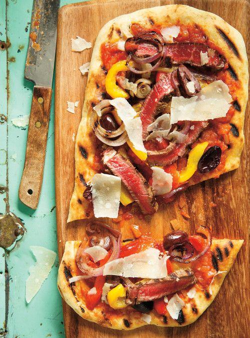 Pizza au boeuf et aux poivrons au barbecue Recettes | Ricardo