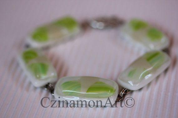 Green leaves Light Green Fused Glass Bracelet by CzinamonArt, €29.00