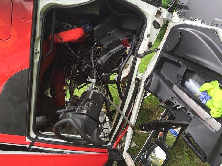 Na D1 za Brnem se převrátil kamion s prasaty. Na místě se tvoří kolony veterináři uspávají zraněná zvířata - Český rozhlas