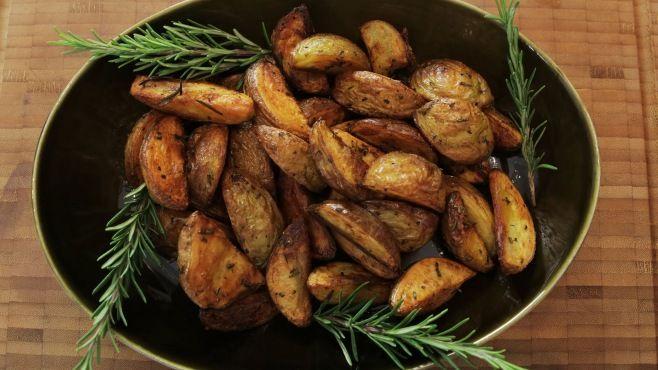 Fırında Patates Tarifi - fırında patates nasıl yapılır? fırında patates tarifi videolu, fırında patates yapımı, fırında patates yapılışı, malzemeler ve diğer binlerce pratik yemek tarifleri