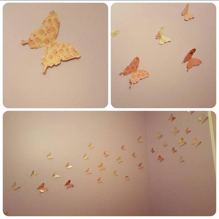 Envolée de papillons réalisée par chachascrap