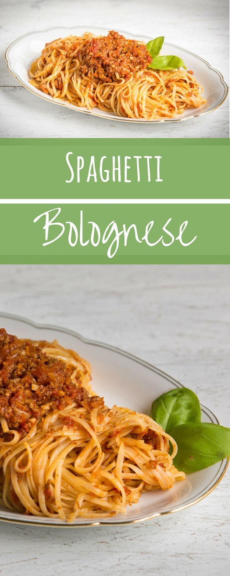 Klassiker und Lieblingsessen Spaghetti Bolognese. Wer kann den Nudeln mit Hackfleischsauce schon widerstehen? Ich nicht. Mein Rezept für Spaghetti Bolo ist nur einen Klick entfernt.