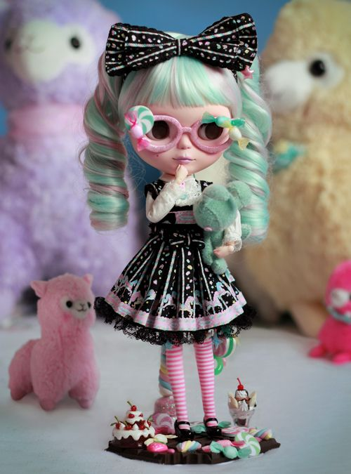 This beautiful OOAK Sweet Lolita Blythe Custom by Margot