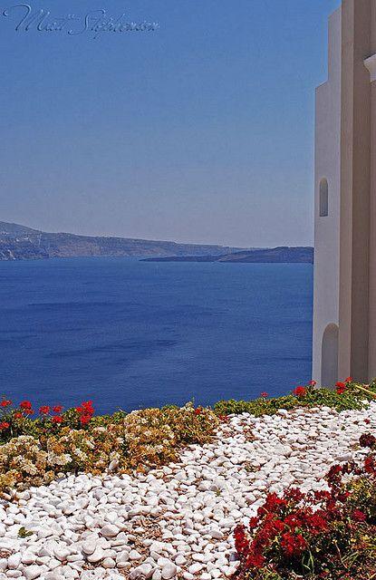 Pebbles + Flowers - Oia, Santorini  Andronis Luxury Suites