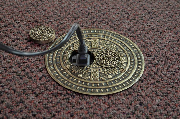 Vintage Hardware & Lighting - Windsor Pattern Victorian Decorative Floor Outlet Electrical Cover (ZPT-9DK)