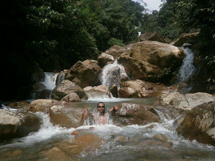 Barong waterfall natural pool, sentul, bogor