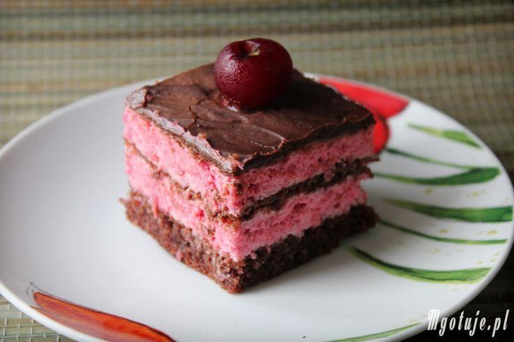 Kostka wiśniowa to idealne połączenie czekolady i wiśni, zapraszam po przepis www.mgotuje.pl  :-)