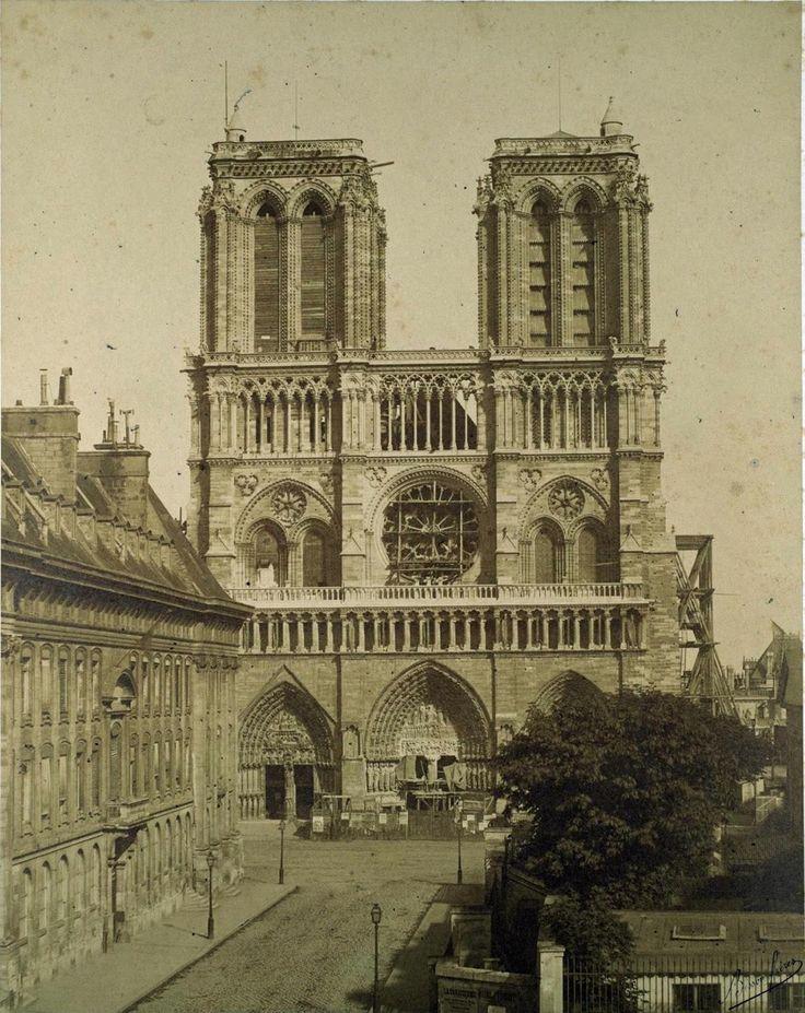 La Cathédrale Notre-Dame de Paris en 1850