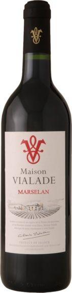 www.wijnkraam.nl - Marselan Intens rode marselan wijn met paarse tinten en geurige aroma's van frambozen, cassis, bramen, pruimen, olijven, kruisbes, cacao, kruisbes en kruiden. In de mond soepel, met zachte tannines en een goede aromatische afdronk.