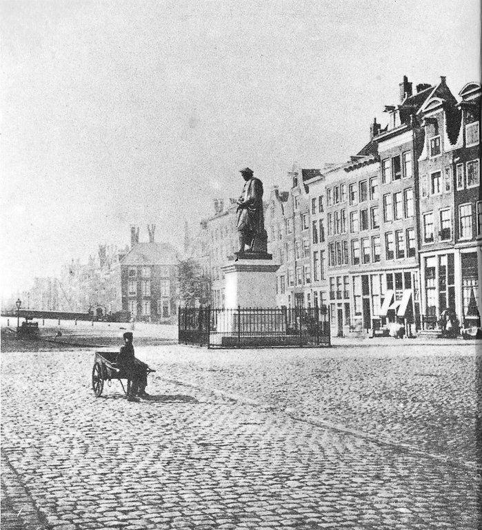 Amsterdam. De Botermarkt (het tegenwoordige Rembrandtplein) ± 1865