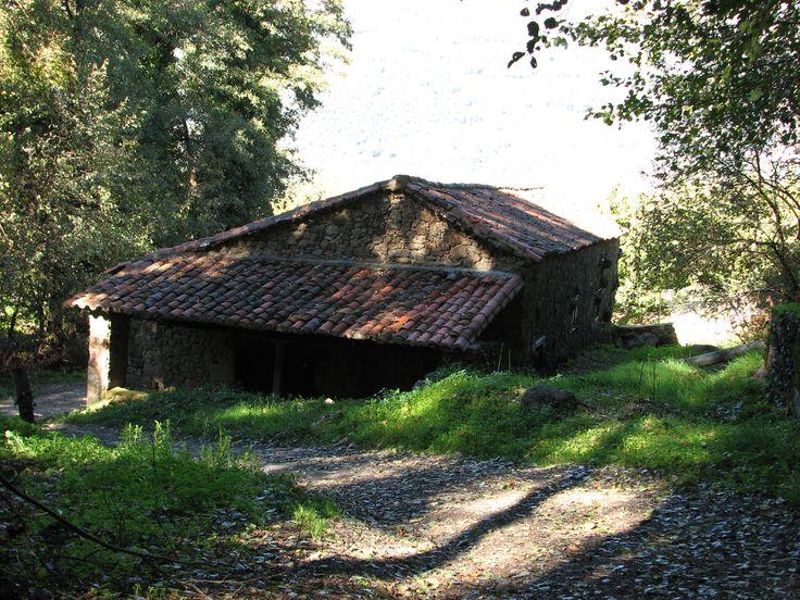 El Lagar de Marta, junto a la garganta del mismo nombre, al pie de Valdastillas. Un lugar idílico.