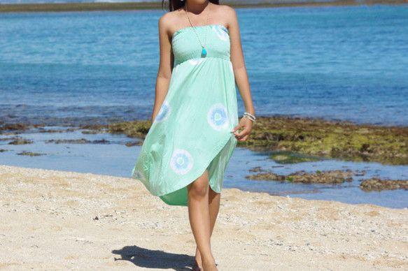 バリ島発のリゾートファッションブランドBlue Waters2015年のリゾートコレクション新作です!風が吹く度にひらひら揺れるシルエットが可愛いタイダイサー...|ハンドメイド、手作り、手仕事品の通販・販売・購入ならCreema。