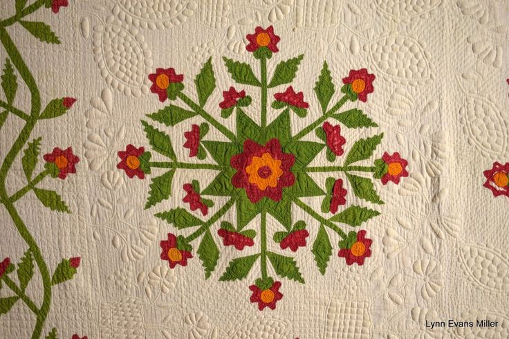 Quilts-Vintage and Antique: Red and Green Antique Quilt