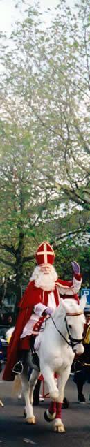 Sinterklaas will arrive in Amsterdam November 17, 2013