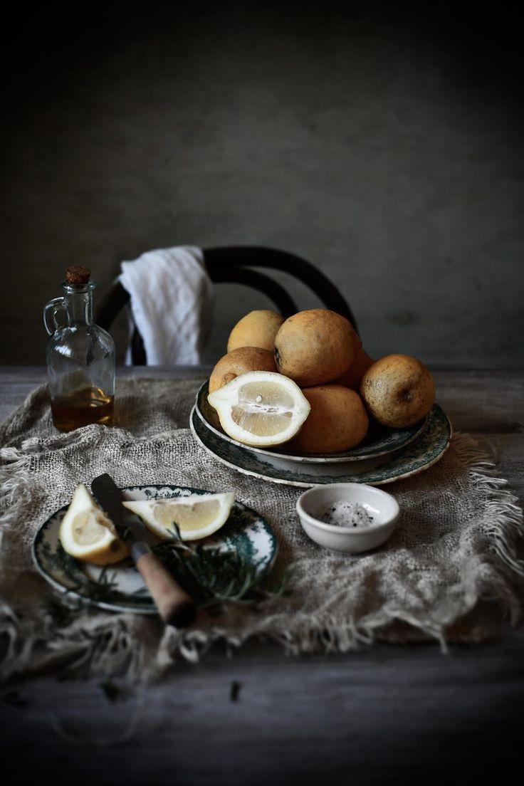 Food Photography & Styling Inspiration | Pratos e Travessas: Atum grelhado com alecrim, alho e limão # Grilled tuna with rosemary, garlic and lemon | Food, photography and stories