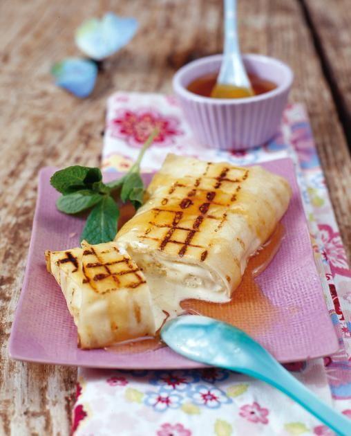 Das Es im Yufkateig wird auf dem Grill geröstet und mit Honig serviert.