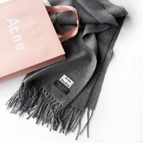 • écharpe •