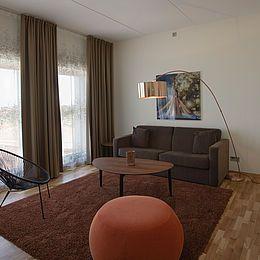 3000 meter tekstil er i alt brugt til hotellets værelser, konferencesal og administration. Læs casen her: http://kurage.dk/fileadmin/user_upload/Projekter_pdf/Kurage_Case_Malmoe_Arena_Hotel_DK.pdf