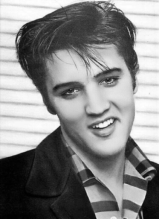 "( ☞ 2017 IN MEMORY OF ★ † ELVIS  PRESLEY ★ 40 YEARS AGO (1977 - 2017) "" Rock & roll ♫ pop ♫ rockabilly ♫ country ♫ blues ♫ gospel ♫ rhythm & blues ♫ "" ) ★ † ♪♫♪♪ Elvis Aaron Presley - Tuesday, January 08, 1935 - 5' 11¾"" - Tupelo, Mississippi, USA. † Died; Tuesday, August 16, 1977 at 3:00 pm: Elvis is pronounced dead. (aged of 42 years, 07 months, 01 week, 01 day ) Resting place Graceland, Memphis, Tennessee, USA. Cause of death: (cardiac arrhythmia)."