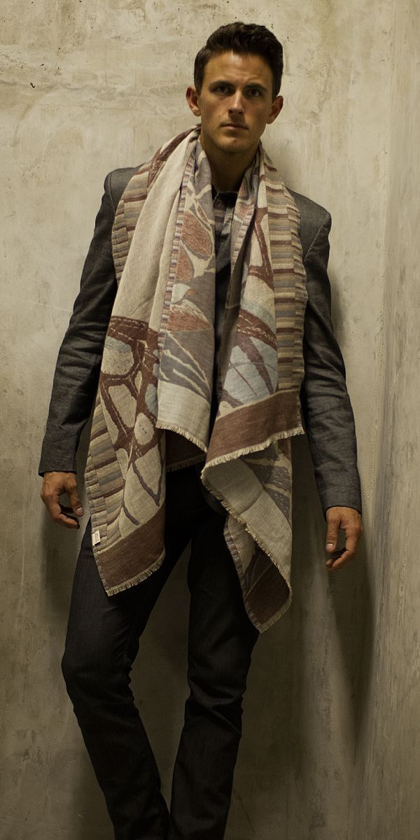70% Cashmere - 30% Merino Wool // 200cm x 70cm // Handwoven in Nepal // Dry Clean only