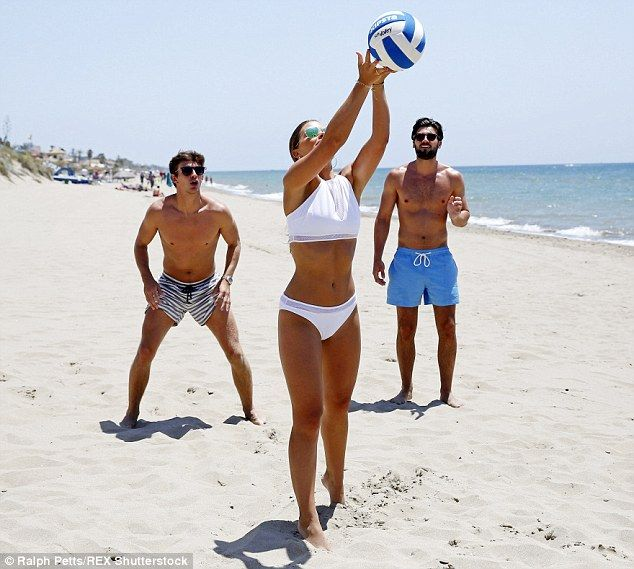 TOWIE cast have £6,000 of treatments before Marbs #dailymail