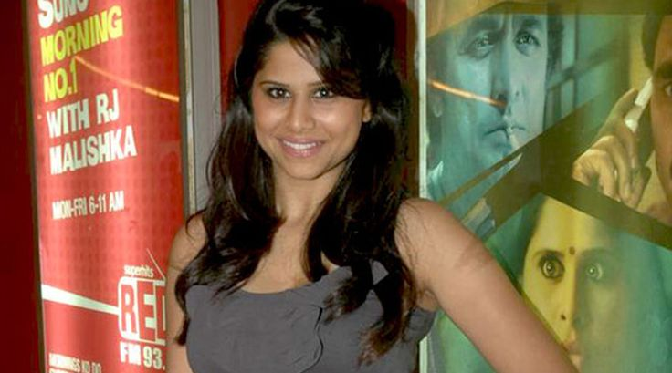 """Marathi actress Sai Tamhankar is happy that her full-fledged Bollywood debut """"Hunterrr"""" is getting positive response."""
