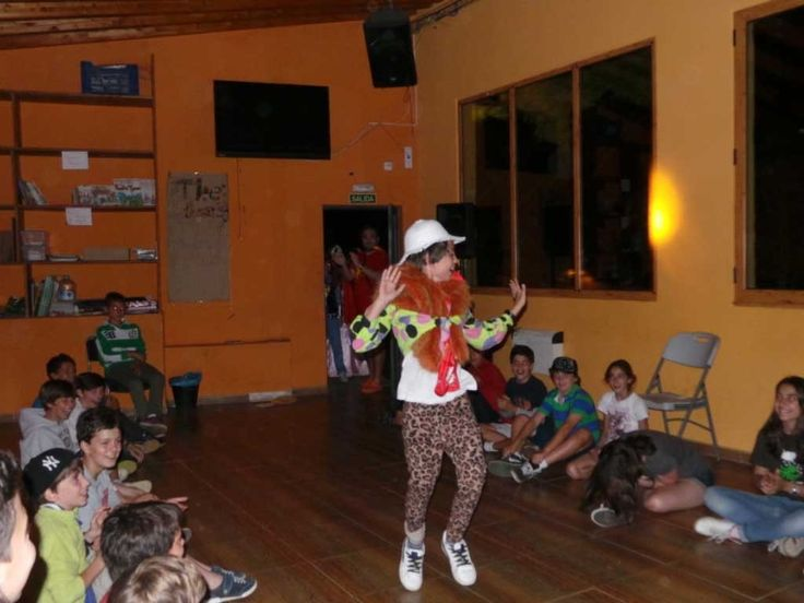 Galería de fotos » Veladas nocturnas - Fashion Night Out | GMR summercamps