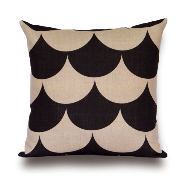 Kemi Cushion by Rouge du Rhin Design: Marianne Diemer