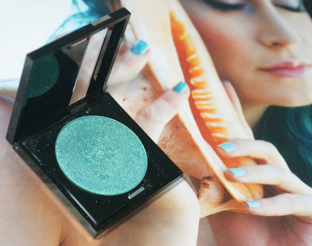 A sombra Diamond Turquoise da Make Up For Ever
