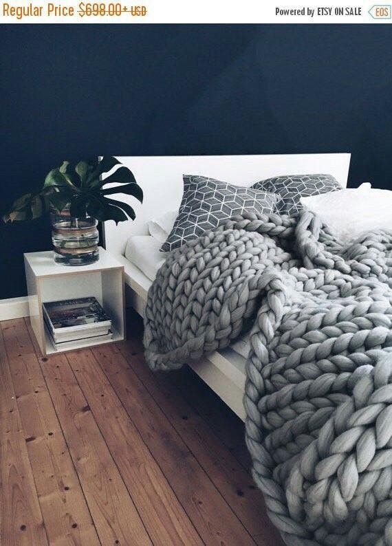 die besten 25 grob gestrickte decke ideen auf pinterest. Black Bedroom Furniture Sets. Home Design Ideas