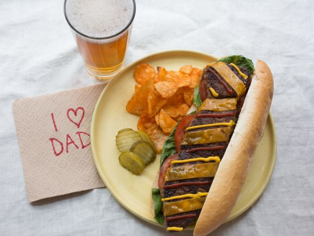 Dad doesn't need another tie... unless it's made of beef. Here's how to make a Father's Day Tie Burger.