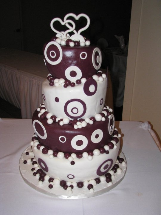 amazing wedding cakes cast 17 best images about topsy turvy wedding cakes on 10712