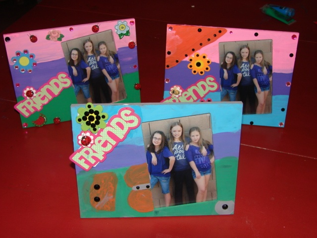 BFF Crafts...Great sleepover idea for your daughter and her BFF's.  Buy unfinished wood frames, paint, and wood decails, and whatever you want to decorate them.  Take a picture of them and put it in the frame for them.