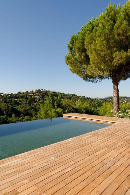 Les 25 meilleures id es de la cat gorie piscine cach e sur pinterest chambr - Piscine integree dans terrasse ...