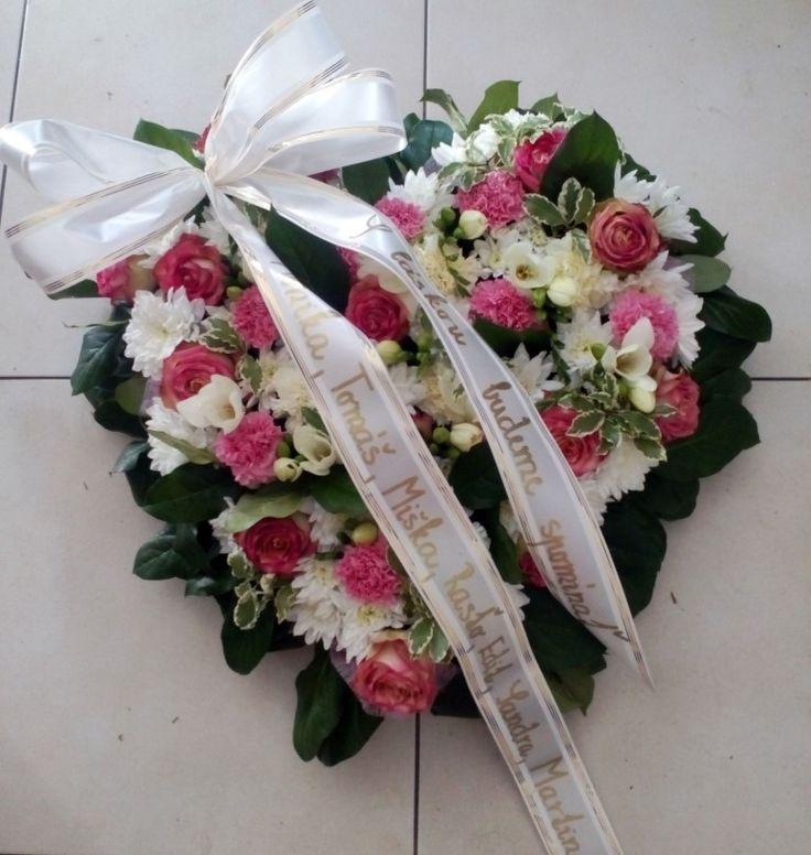 Veniec Srdce ružovo biele  #smutočný #veniec #funeral #wreath #hearth #srdce #white #pink #roses #biele #ružové #ruže