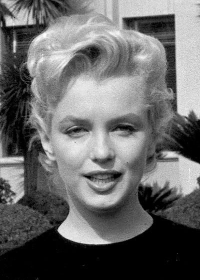 Marilyn, charged with driving without a license in 1954, appears in the Municipal Court in Beverly Hills, February 29th 1956.
