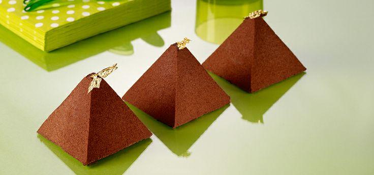 Pyramide chocolate y caramelo.