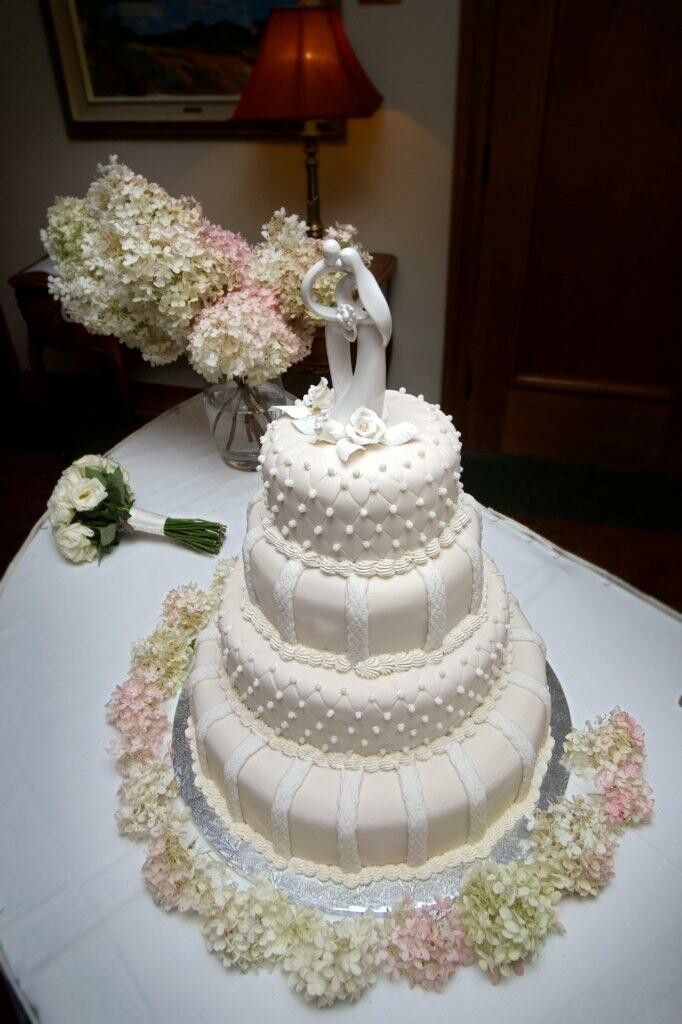 Gateau De Mariage En Pate D Amande