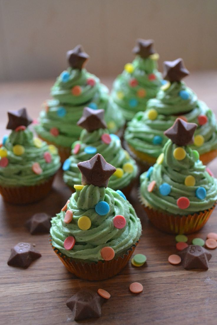 What about these for a great Christmas party treat. My daughter and I had lots of fun decorating these very cute Christmas Tree cupcakes. #cupcakes #christmastreecupcakes #christmastreats #christmas trees