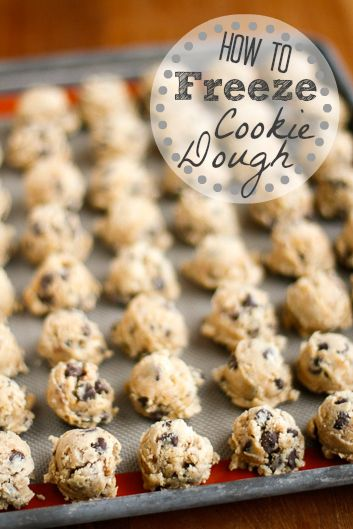 How To Freeze Cookie Dough -- if you've ever wondered if you can freeze your favorite cookie dough, you're going to love this quick tutorial! Frozen cookie dough makes a fabulous and simple gift idea for so many occasions... | via @unsophisticook on unsophisticook.com